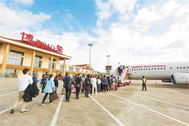 博鳌机场:通航3年 起飞64城
